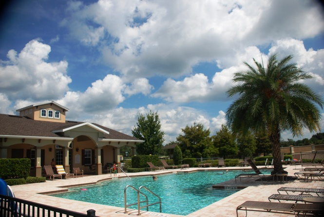 Pool Area & Clubhouse