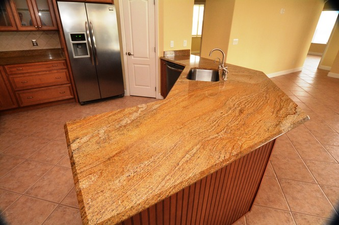 Granite Counter & Breakfast Bar