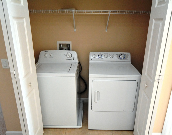 Laundry - Washer & Dryer Included