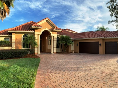 BEAUTIFUL WATER VIEW IN GATED COMMUNITY ON THE ST JOHNS RIVER